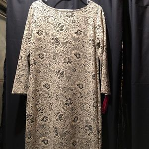 Dress with pattern